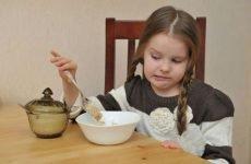 У дитини блювота і болить живіт, що робити при болю та нудоти