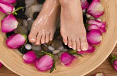 Ефективні народні засоби від пітливості ніг: методи приготування, рецепти