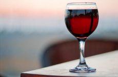 Користь і шкода червоного вина. Що в ньому поганого?