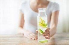 Вода з лимоном: властивості, рецепти для схуднення