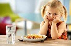 Болить живіт дитини в 2 роки: що робити, причини, лікування