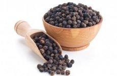 Допускається застосування чорного перцю в горошку при проносі