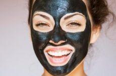 Чорна маска від прищів, вугрів і чорних крапок