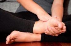 Оніміння ноги від коліна до стопи: причини праворуч і лікування
