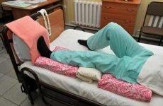 Догляд після операції при переломі шийки стегна: правила реабілітації та можливі ускладнення