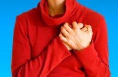 При глибокому вдиху болить і коліт в області серця