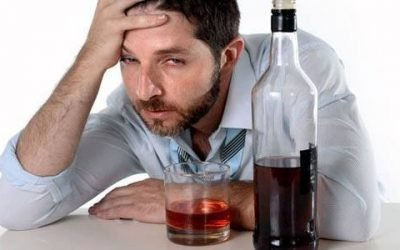 Який алкоголь підвищує або знижує тиск? Горілка, шампанське і пиво