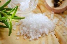 Лікування сіллю і сольовими розчинами: народні засоби, пов'язки з морською сіллю