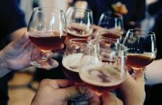 Культура пиття спиртних напоїв: пиво, вино, горілка
