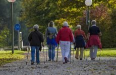 Скандинавська ходьба з палицями користь та шкода:для літніх,для суглобів