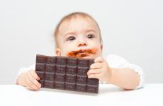 Чи можна дитині давати шоколад?