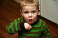 Які краплі від нежитю ефективні для лікування дітей від року