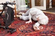 Як розпізнати симптоми перелому шийки стегна у людей похилого віку
