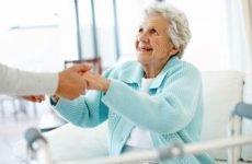 Чому помирають від перелому шийки стегна: ускладнення травми