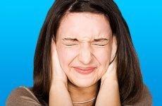Шум і закладеність у вухах при ВСД