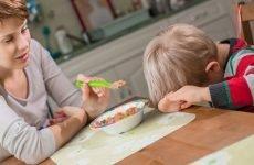 Блювота, пронос, температура у дитини 37-38: що робити, чим лікувати – поради Комаровського