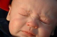 Чому у дитини кров з носа і як її швидко зупинити