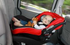 Чи можна дитину до 12 років возити на передньому сидінні?