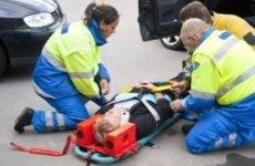 Як правильно проводиться транспортування потерпілого з переломом хребта