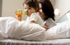 Чим годувати дитину при проносі