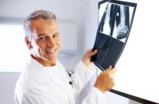 Який корекції підлягають незрощені переломи та несправжні суглоби