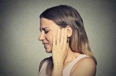 Зубний біль віддає в скроню: причини і методи лікування