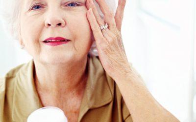 Догляд за шкірою особи після 60 років — ефективні маски від зморшок в домашніх умовах