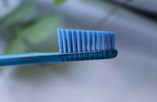 Зубна щітка: особливості вибору, відгуки, рекомендації