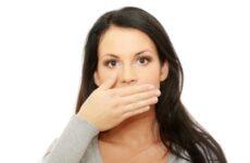Запах з рота під час вагітності: причини і як усунути