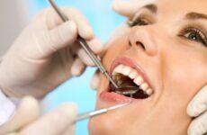 Чому відбувається відторгнення імпланта зуба?