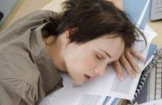 Безсоння від перевтоми – причини, симптоми, лікування