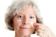 Крем для обличчя від зморшок після 50 років — кращі рецепти молодості в домашніх умовах