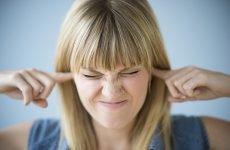 Докладна симптоматика стану при якому закладає вуха