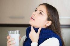 Чим полоскати горло при тонзиліті?