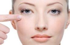Засоби від зморшок навколо очей — рекомендації по догляду за шкірою