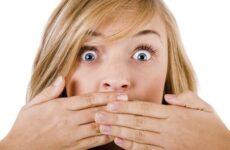 Кислий запах з рота: причини і методи лікування