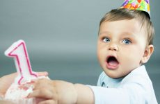 Чому у дитини в рік немає зубів: причини затримки прорізування