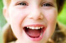 Кислий запах з рота у дитини: причини і методи лікування