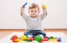 У дитини 10 місяців немає зубів: чому і що робити?