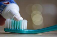 Абразивна зубна паста: принцип дії та рекомендації стоматологів