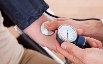 М'ята підвищує або знижує тиск? Властивості та особливості застосування
