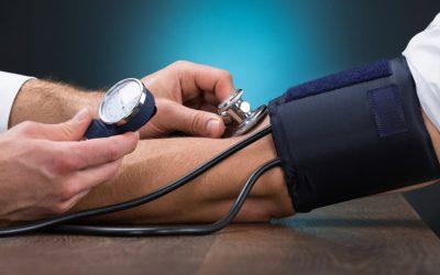 Тиск 70 на 50 — причини виникнення і способи допомоги
