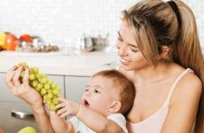 Чи можна дитині виноград і виноградний сік
