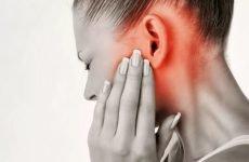 Болить щелепа біля вуха: причини і що при цьому робити?