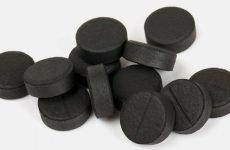 Навіщо потрібно пити активоване вугілля при гастриті шлунка і чим він допоможе?