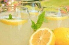 Лимон при гастриті: дозволений, властивості, склад