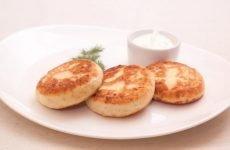 Рецепти приготування дієтичних сирників при гастриті шлунка