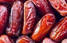 Фініки при гастриті: чи можна їсти, корисні властивості