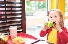 Запор у дитини 5 років: що робити, причини, лікування