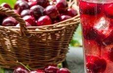 Чи можна при гастриті пити компоти: популярні рецепти